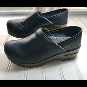 DANSKO Navy Professional Leather Clogs Size 7